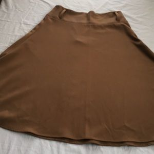 Bandolin stretch  A line camel skirt